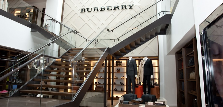Burberry moderates its growth and raises sales by only 1% in third quarter