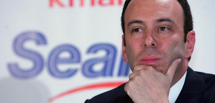 Sears takes another chance: considers a new offer from its chairman
