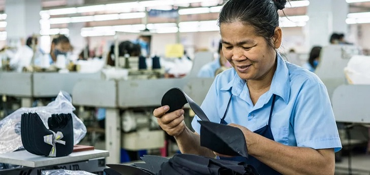Fashion giants urge Cambodia to improve labor rights to maintain tariff advantages