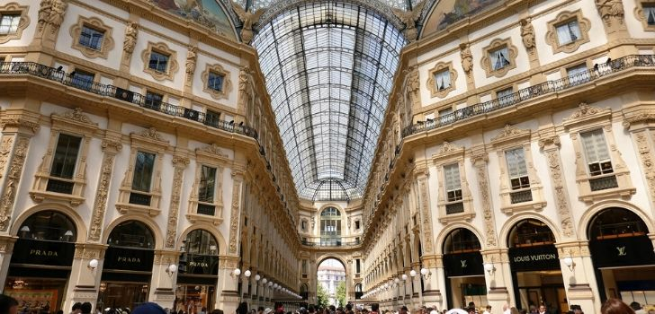 LVMH to 'buy' Galleria Vittorio Emanuele II: Dior will pay 5 million a year to relieve Versace