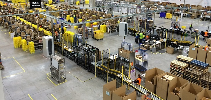 Amazon seeks to hire 100,000 people in the U.S. to keep up with high demands