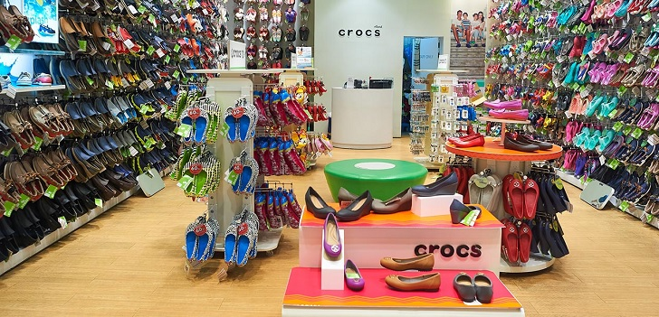 Crocs boosts its profit 19.8% in third quarter and raises full year outlook