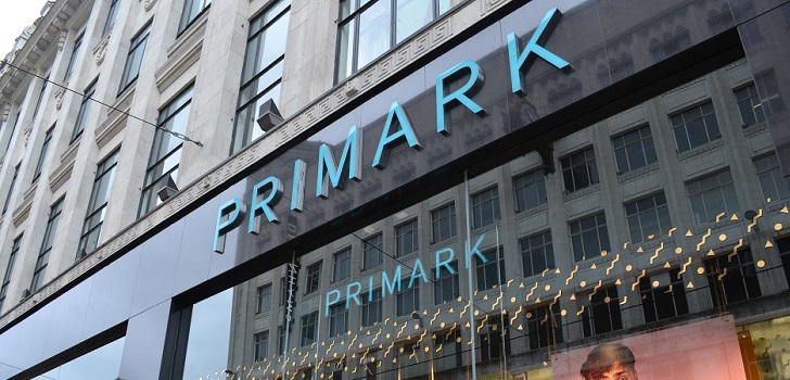 Primark forecasts like-for-like sales to fall 2% in 2018
