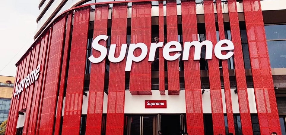 Supreme vs. Supreme: the story of the legal? fake of the streetwear cult brand